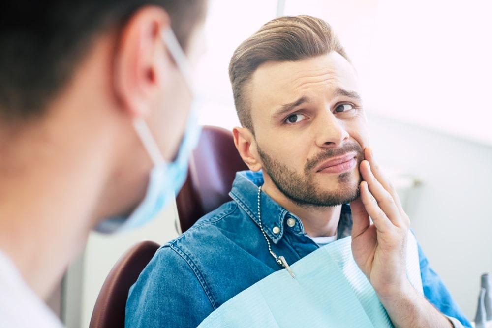La parodontite peut causer la perte des dents